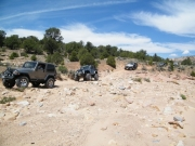 jeeps_to_the_cliff_dwelling