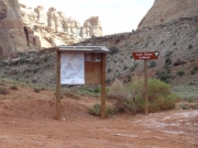 crack_canyon_trailhead_kiosk