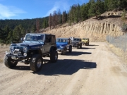 jeeps_at_start_of_the_trail