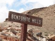 bentonite_hills_sign