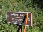 narrow_road_sign