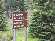 directional_sign_at_clover_creek