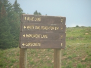 sign_at_blue_lake