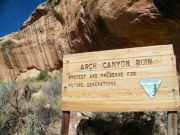 arch_canyon_ruin_sign
