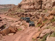jeeps_on_the_cliff