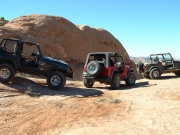 jeeps_on_the_edge