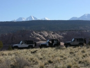 jeeps_and_the_la_sal_mountains