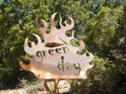 green_day_sign