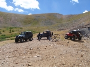 jeeps_at_the_end_on_the_trail