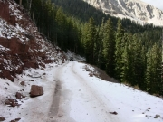 icy_shelf_on_geyser_pass_road