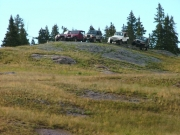 jeeps_on_a_hill