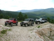 jeeps_at_the_rock_quarry