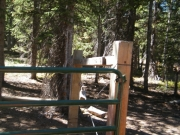 hut_gate