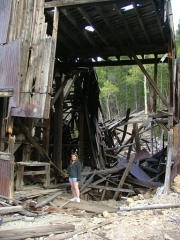 larissa_in_the_frontenac_mine