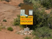 sign_at_the_end_of_the_trail