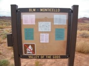valley_of_the_gods_sign_1
